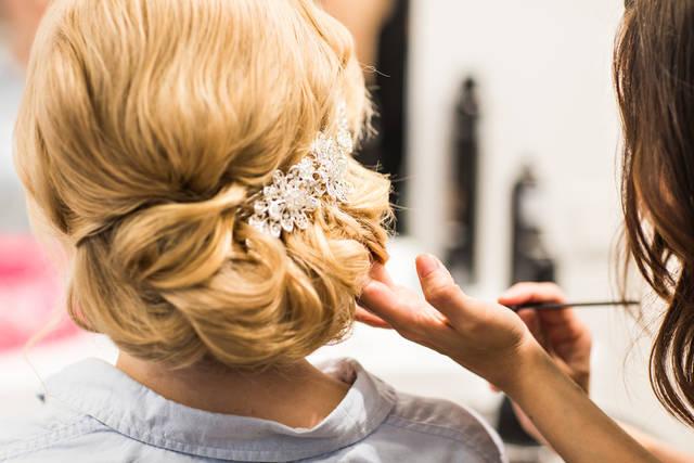 結婚式の髪型でボブ向けのヘアアレンジ!セルフで出来る簡単なヘアスタイル