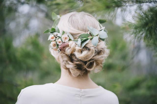 ウェディングの髪型カタログ!花嫁におすすめのヘアスタイル画像を紹介