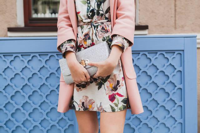 低身長女子のスタイルよく見せるファッションは?着こなし術や改善点