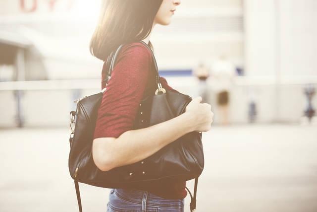 通勤バックはどう選ぶ?女性に人気の軽くてA4サイズも入るおすすめを紹介!
