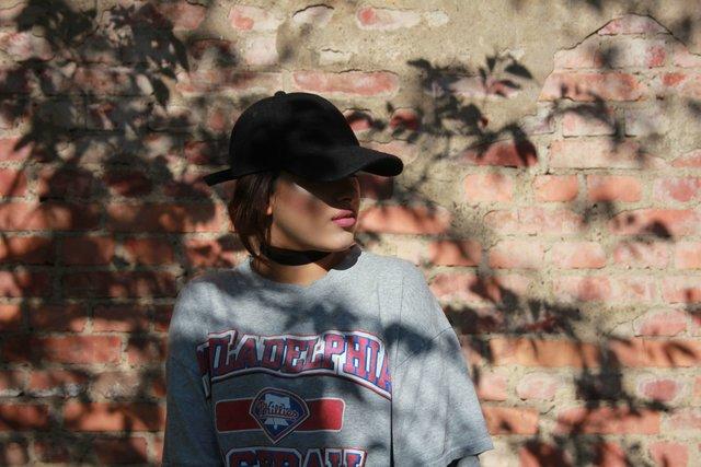 90年代ファッションがリバイバル!懐かしの特徴を生かしてトレンドを先取り!