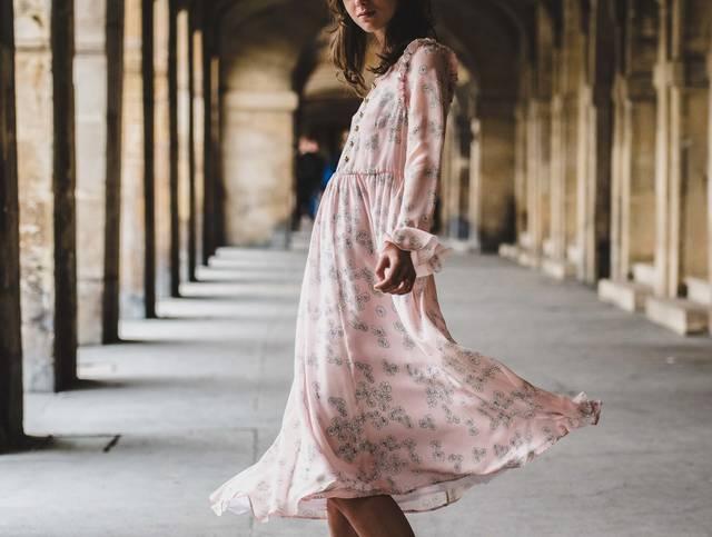ドレスコードがカジュアルの時の服装は?おすすめのコーデや選び方を紹介!