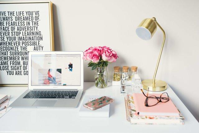 オフィスネイルのマナー!おすすめのデザインやカラーは?【画像】