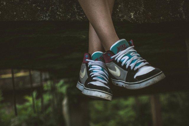 【簡単】スニーカーのお手入れ方法!正しいやり方でキレイに長く履こう!