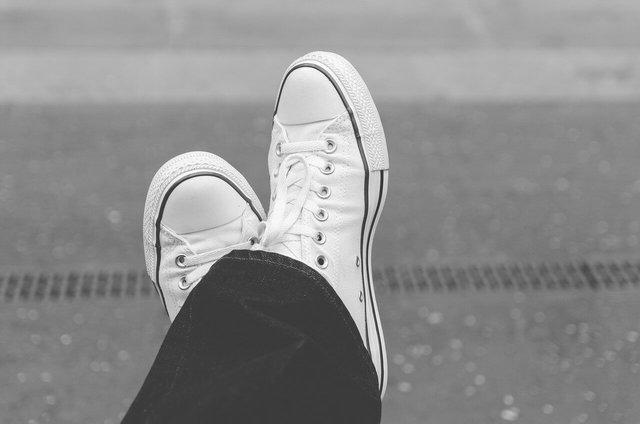 スニーカーの靴紐の結び方!おしゃれな方法からおすすめの紐まで!