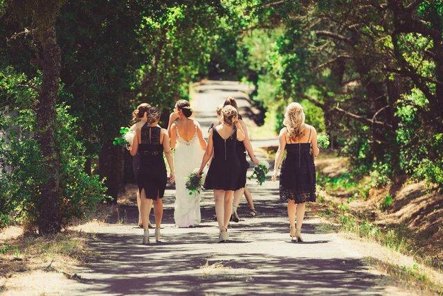 結婚式のマナー!知っておきたい髪型やヘアアクセのルールとは?