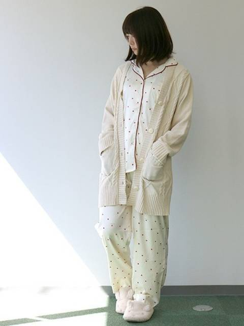 ミルキーサテンのパジャマ