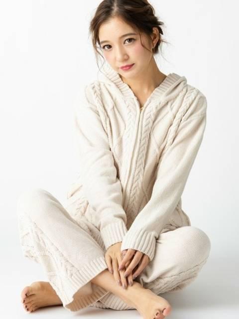 ふわふわケーブル編みのパジャマ