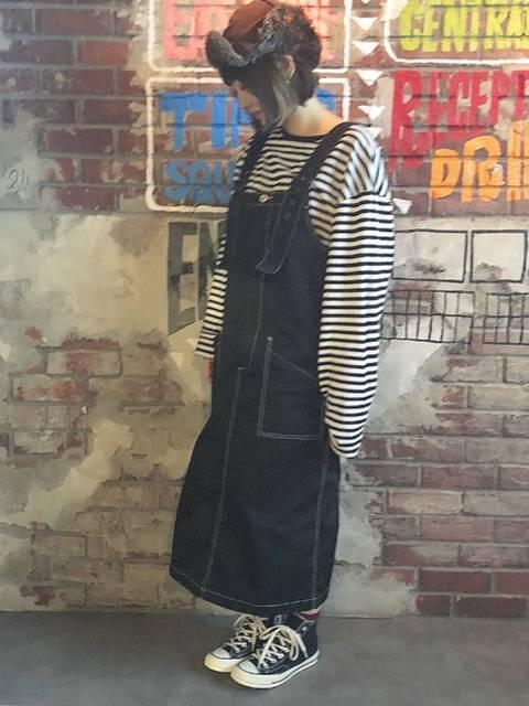 様々な服装で映える黒コンバースのハイカット