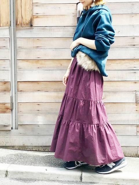 3段フレアロングスカートでふんわりコーデ