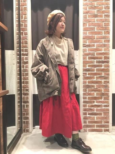 冬の赤スカートコーデ
