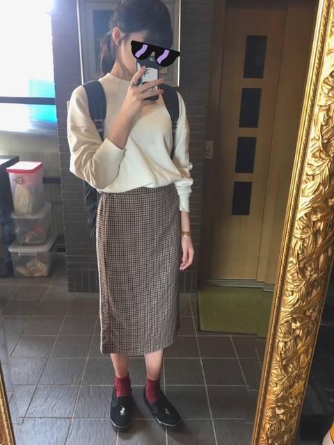 ロングタイトスカートとスリッポンコーデ