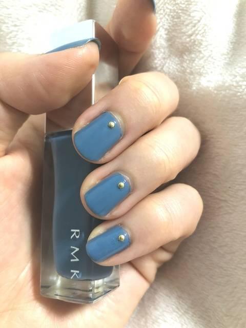 単色ブルーの秋ネイル