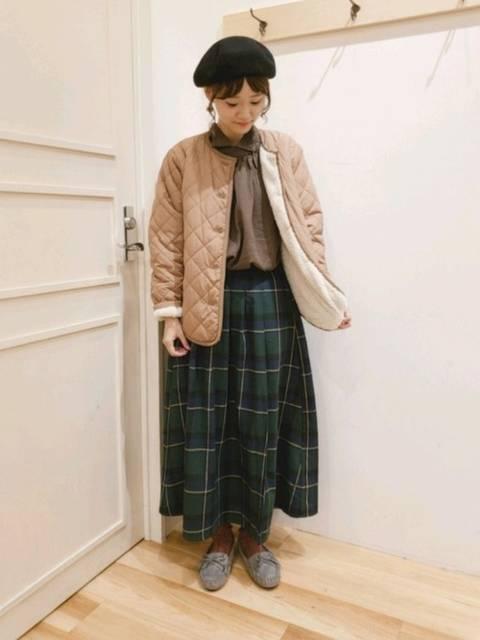 緑チェック柄スカートを使ったコーデ