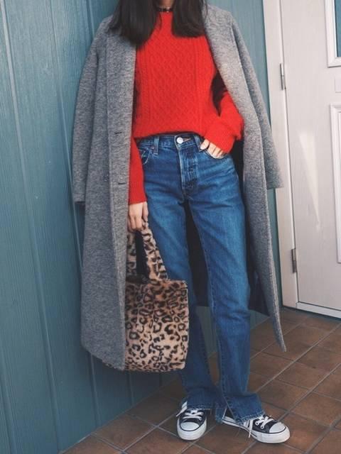 MOUSSYのコートと赤ニットコーデ