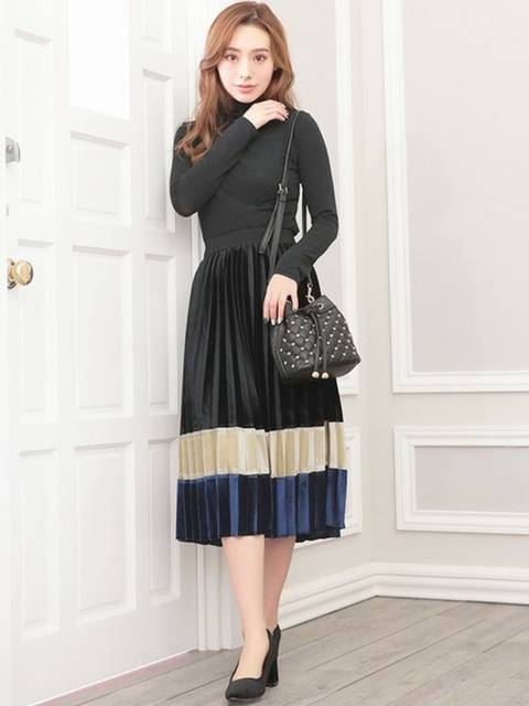 Ninaの50年代ファッション風レトロモダンベロアプリーツスカートコーデ