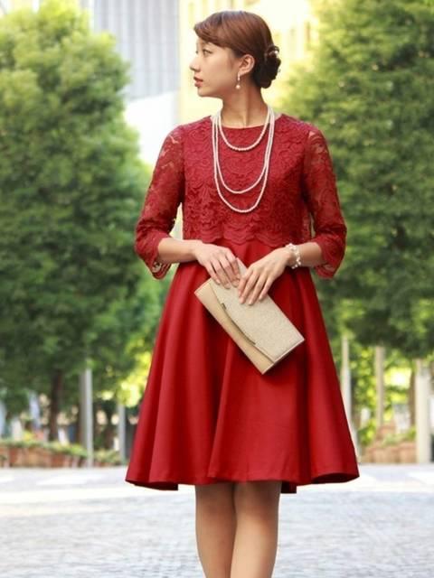 TRUDEAレース切り替えフレアワンピースの50年代ファッション風冬コーデ