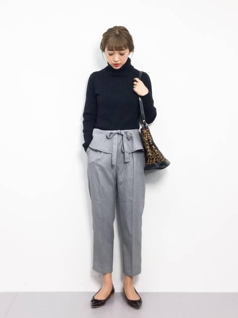 merlot plusぺプラムクロップドパンツの50年代ファッション風冬の着こなし