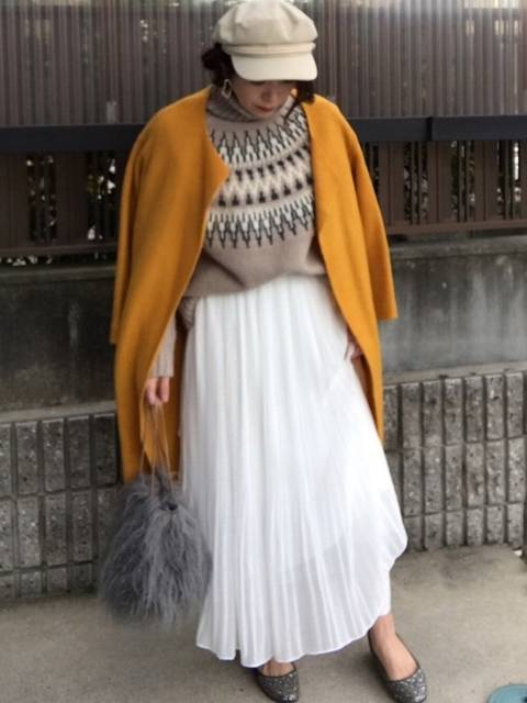 Te chichiのコートとプリーツスカートコーデ