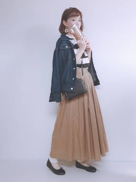 CUBE SUGARのボーダーTシャツとデニムジャケットコーデ