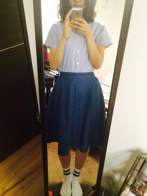 ブルー半袖ストライプシャツコーデ