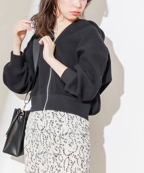 natural couture  オニワッフル黒パーカー大人レディースのおしゃれコーデ