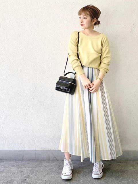 綺麗めな服装