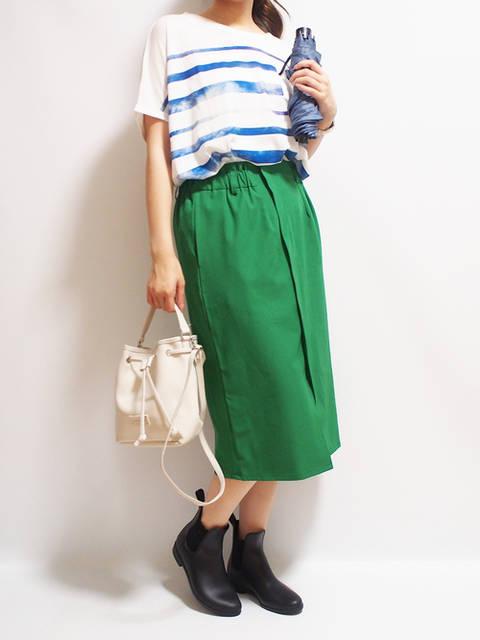 緑スカートのコーデ