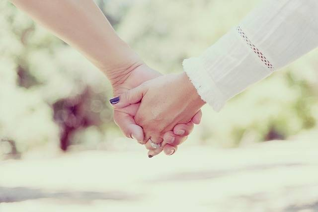 Hands Holding People · Free photo on Pixabay (82579)
