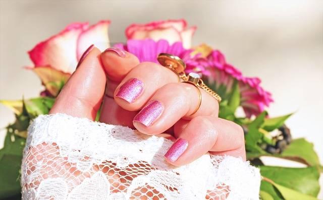 Roses Pink Nail Varnish · Free photo on Pixabay (120430)