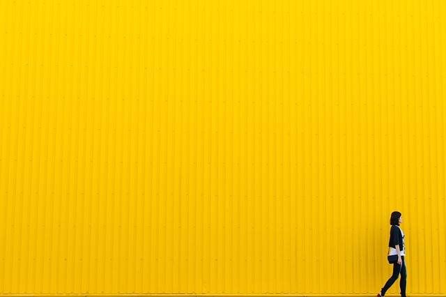 Yellow Wall Girl · Free photo on Pixabay (125103)
