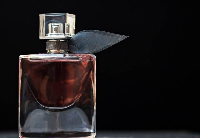 Perfume Flacon Glass Bottle · Free photo on Pixabay (160946)