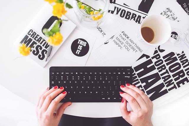 Girl Woman Typing · Free photo on Pixabay (161791)