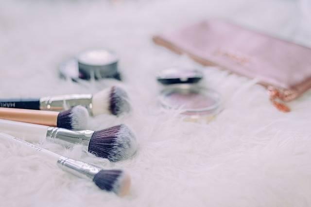Brush Make Up Table · Free photo on Pixabay (162602)