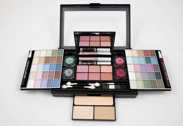 Eyeshadow Palette Makeup Kit · Free photo on Pixabay (168565)