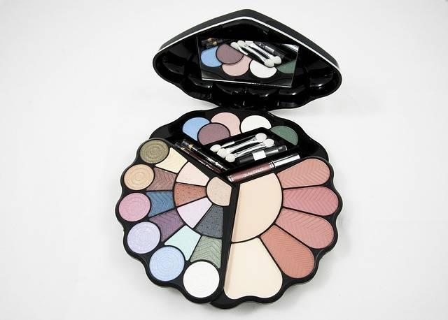 Eyeshadow Palette Makeup Kit · Free photo on Pixabay (168566)