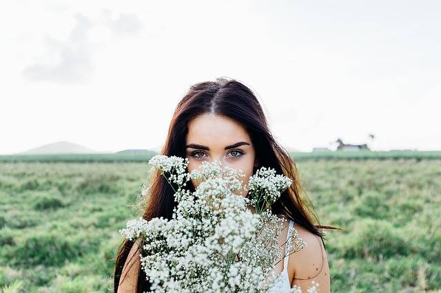 Young Woman Flowers Bouquet - Free photo on Pixabay (173428)