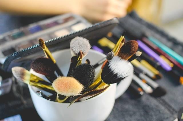 Brush Makeup Beauty - Free photo on Pixabay (174676)