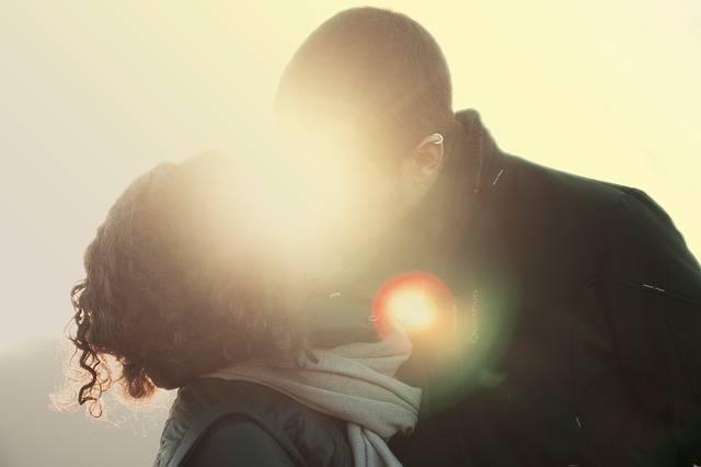 Couple Kiss Love - Free photo on Pixabay (186296)