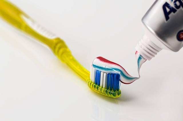 Toothbrush Toothpaste Dental Care - Free photo on Pixabay (186300)