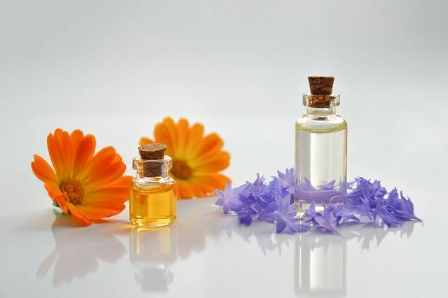 Essential Oil Spa Cosmetology - Free photo on Pixabay (198036)