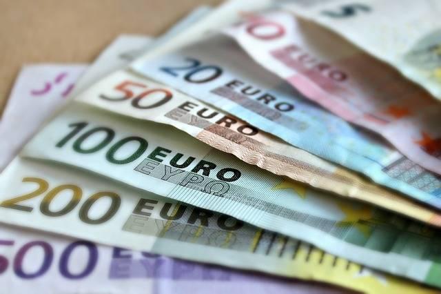 Bank Note Euro Bills Paper - Free photo on Pixabay (210415)