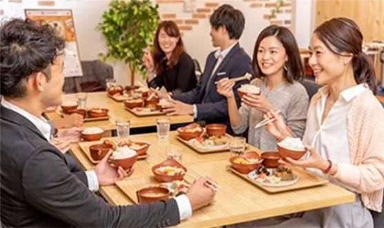 """新しい「社食デリバリー」で""""食""""から働きやすい職場に"""