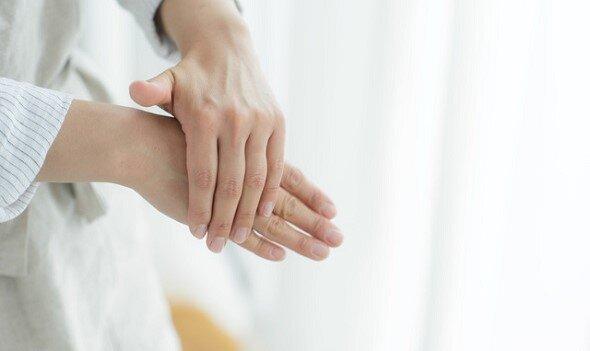 「ユースキン」でハンドケア。手荒れ対策と冷え予防に