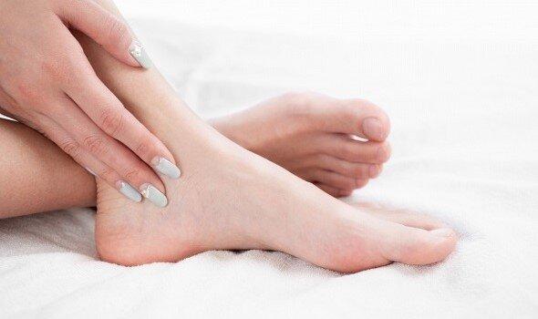 自粛生活で足のアーチが変化!?40代からの足のケアと靴選び