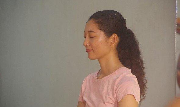 マインドフルネスのやり方は?ヨガの本場・インドで学んだ瞑想法