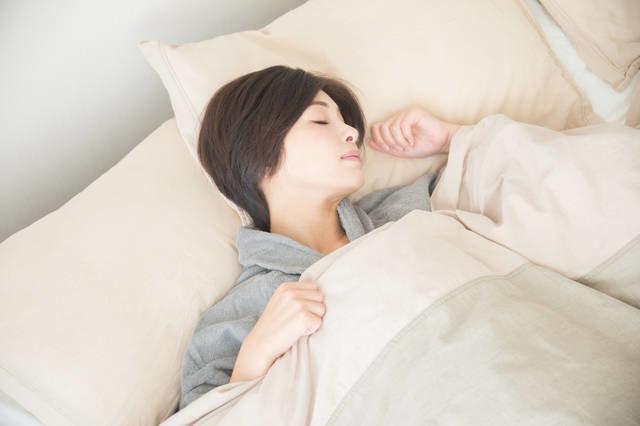 睡眠のカギは「自律神経」と「体温」だった!|からだにいいことWeb