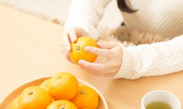 冷えと血流に悩む人に|ヘスペリジンが含まれる身近な食べ物|からだにいいことWeb