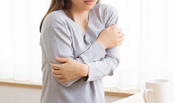生理前や生理中に感じるゾクゾクする寒気。意外な原因かも? |からだにいいことWeb