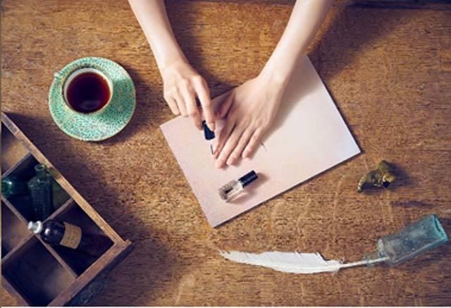 日本女性愛美甲 每2人就有1人年買20多支指甲油!